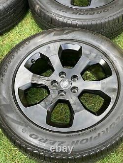 4 X Genuine 20 Alors De Défenseur De Terre Avec Pirelli Tyres